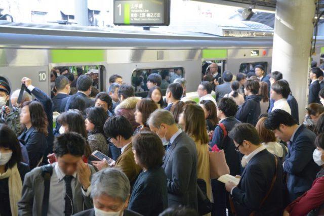 驚愕!先進国で日本人の賃金だけ下がり続けているという事実